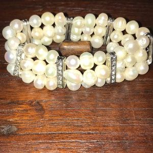 Jewelry - Genuine Cultured Pearl Bracelet